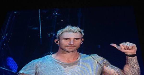 Maroon 5 emenda hits em apresentação morna e público protesta ...