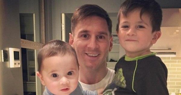 Messi, Cristiano Ronaldo e outros craques comemoram o Dia dos ...