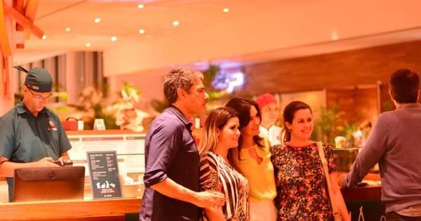 William Bonner e Fátima Bernardes jantam em shopping e são fofos ...