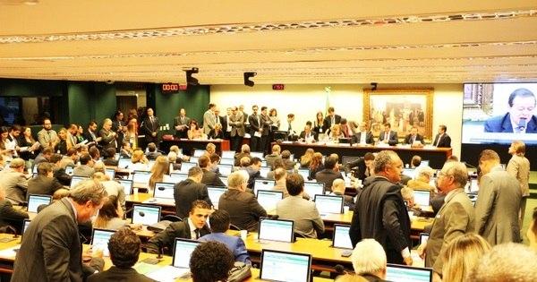 Mercosul pode suspender Brasil em caso de impeachment, diz ...