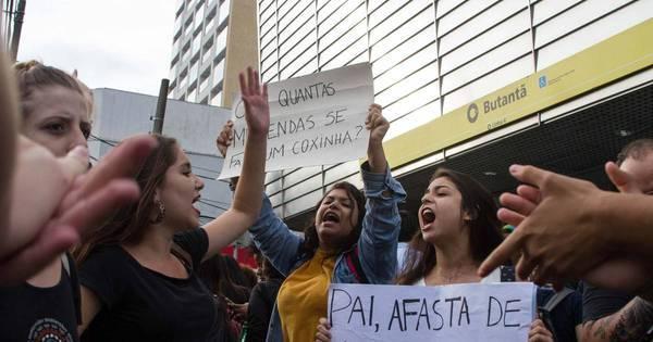 Estudantes protestam contra fechamento de salas e máfia das ...