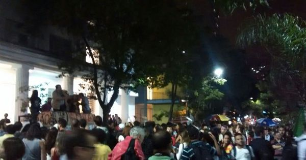 Estudantes fazem ato contra impeachment no centro de São Paulo ...