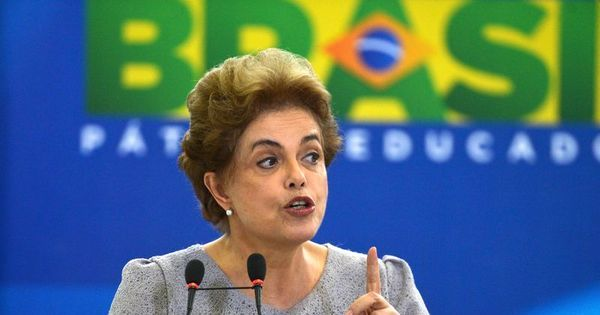 """Revista britânica defende renúncia de Dilma e diz que é """"hora de ..."""