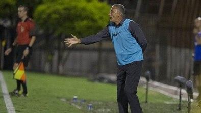 60d3214547 Mudou de lado  Tite revela que torceu para Corinthians levar gol contra o  São Bernardo