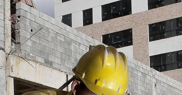 A cada hora, 282 pessoas ficam desempregadas no País - Notícias ...