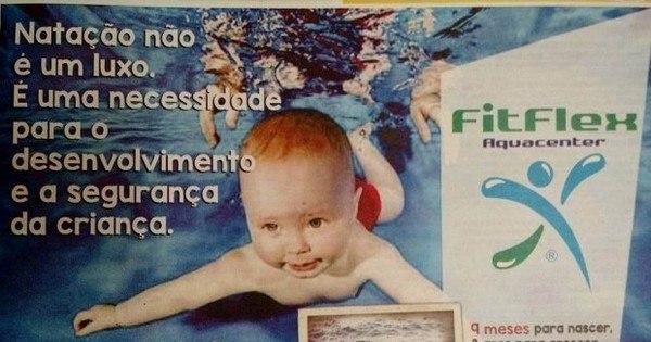 Anúncio de escola de natação com foto de menino sírio afogado ...