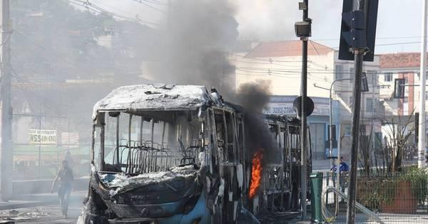 Duas estações do BRT Transcarioca seguem fechadas após ...