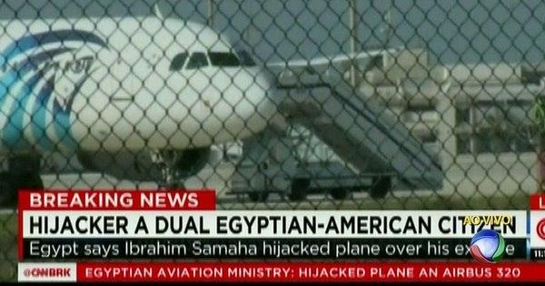 Homem sequestra avião no Egito e desvia voo para o Chipre ...