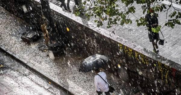 Chuva de granizo atinge centro de SP - Notícias - R7 São Paulo