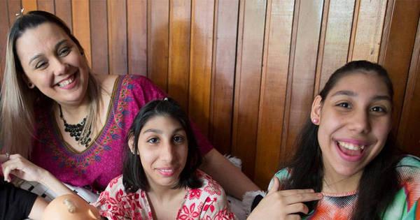 Mãe de adolescentes com microcefalia se emociona ao falar sobre ...