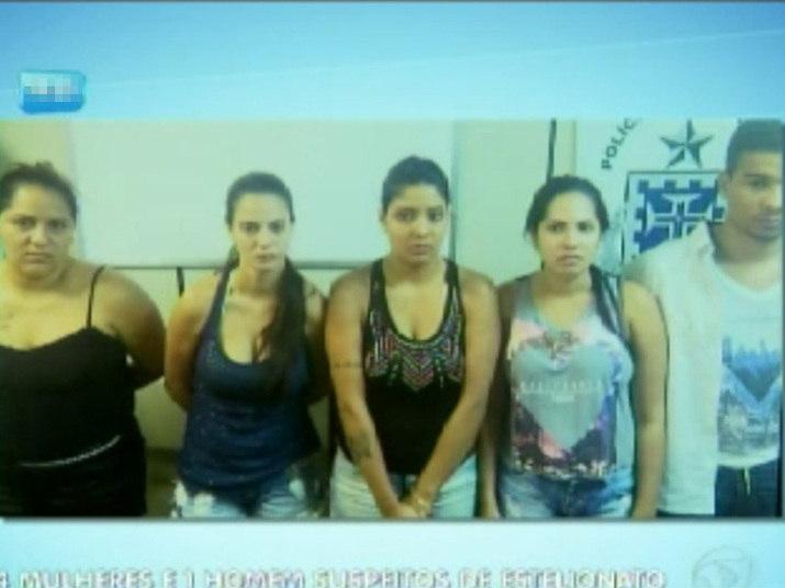 De acordo com a polícia, as jovens de faixa etária entre 19 e 27 anos são de classe média alta e moram na Zona Norte de São Paulo, já o jovem de 22 anos reside na Zona Leste