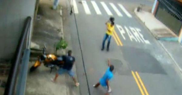 Vítima reage à tentativa de assalto e bota ladrões armados para correr
