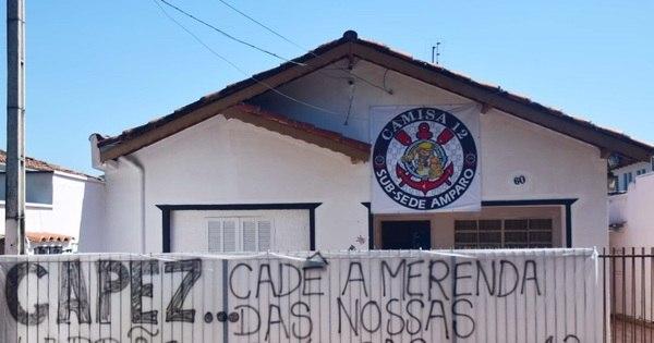 Torcida do Corinthians faz protesto contra Capez na Assembleia ...