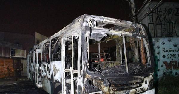 Ônibus é incendiado na zona norte de São Paulo - Notícias - R7 ...