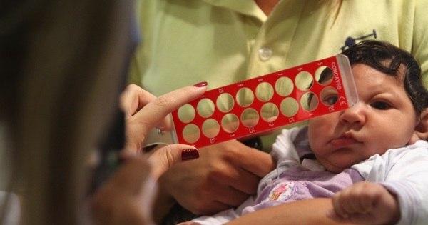 Cientistas descobrem como o zika atua nos cérebros de bebês em ...