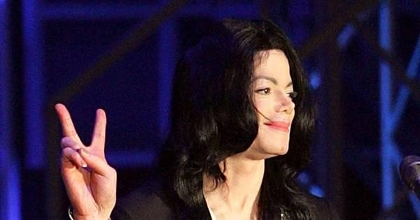 Michael Jackson construiu armário secreto para esconder ...