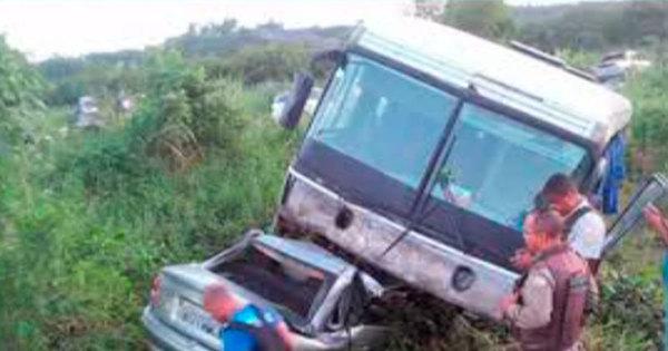 Cinco pessoas da mesma família morreram após colisão entre carro ...