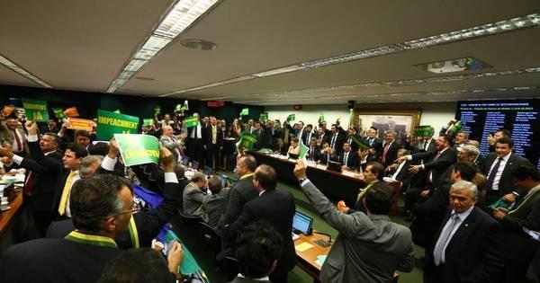 Comissão Especial da Câmara vota pelo impeachment de Dilma ...