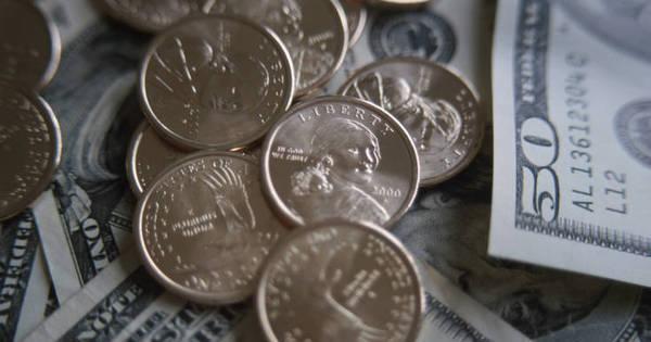 É hora de comprar dólar! Especialistas ajudam viajantes ...