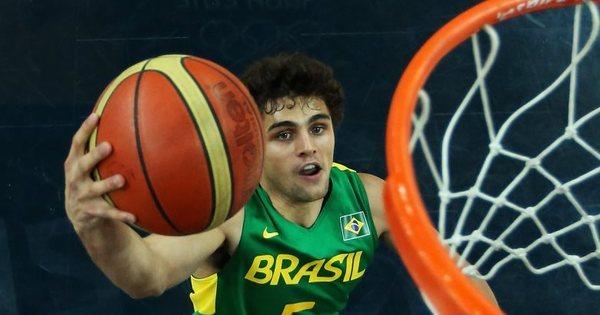 Pela titularidade na Rio 2016, armadores da seleção brasileira ...