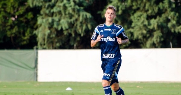 Criciúma quer meias do Palmeiras em negociação por Róger Guedes
