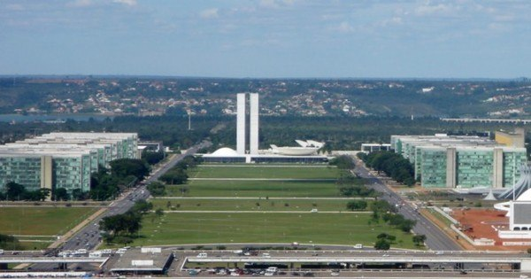 Impeachment: Brasília se organiza para receber grupos - Notícias ...