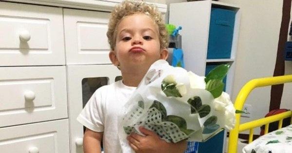 Show de fofura! Filho de Ganso posa com buquê de flores e mostra ...