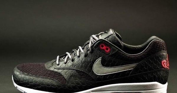 Nike lança tênis personalizado em homenagem a Paolo Guerrero ...