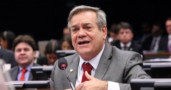 """Último deputado a votar impeachment na Câmara promete """"evitar ..."""