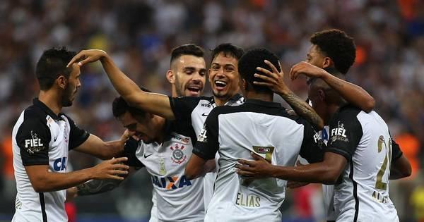 Perto do início do Brasileirão, Corinthians segue líder em sócios ...