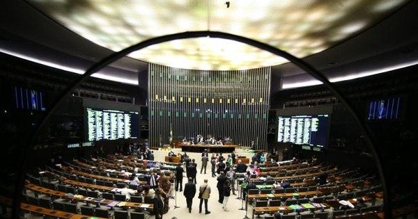 Aliados de Dilma atrasam votação de mudança da meta fiscal ...