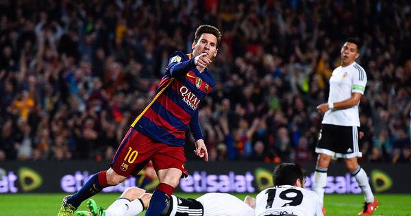 Daniel Alves é o jogador que mais deu assistências para Messi ...