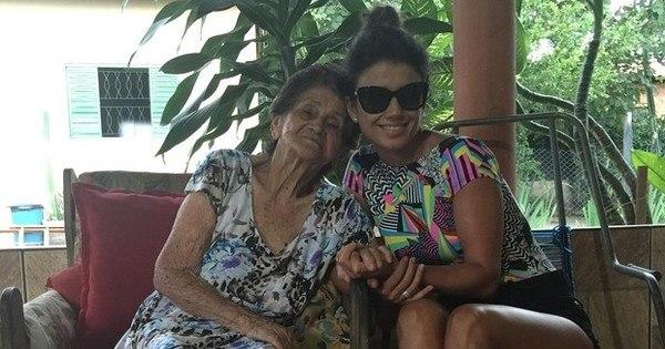 """Morre a avó de Paula Fernandes: """"Não sentirei tristeza, somente ..."""