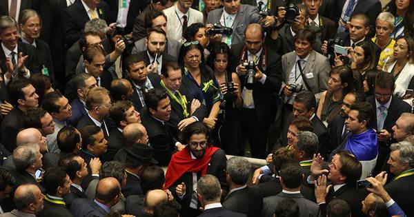 OAB do Rio de Janeiro vai acionar STF para pedir cassação do ...