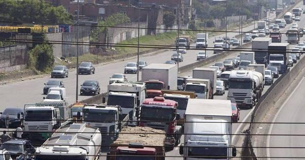 Estradas terão mais de 2 milhões de veículos no feriado - Notícias ...