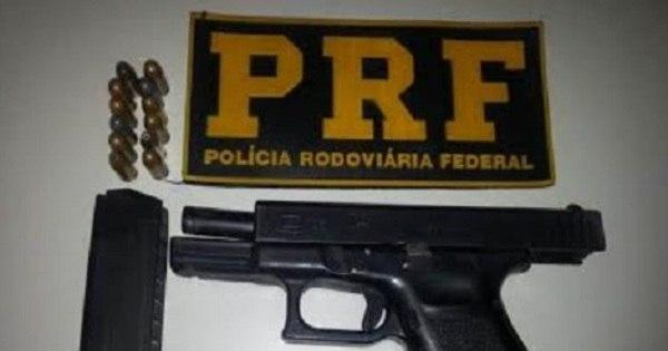 Grupo é preso com arma roubada na BR-381, em Perdões ...