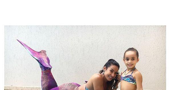 Scheila Carvalho e a filha curtem dia de piscina vestidas de sereia ...