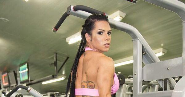 Fisiculturista ostenta bumbum maior que o de Gracyanne Barbosa