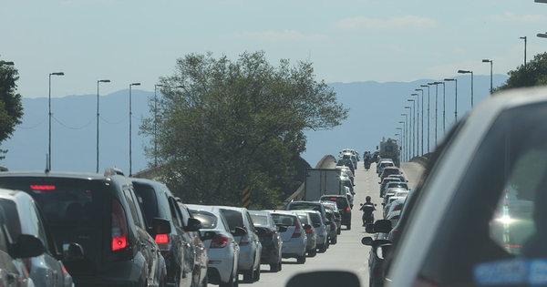 Motoristas enfrentam estradas congestionadas na volta a São Paulo ...