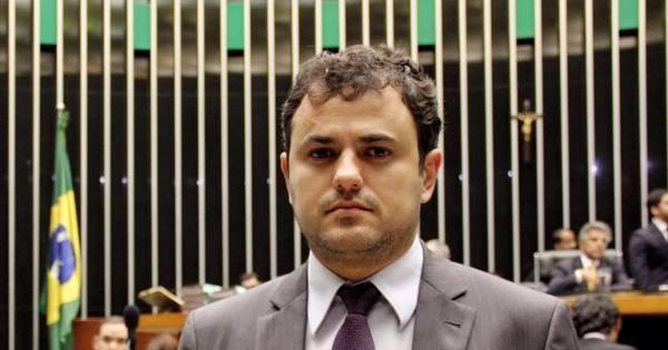 """Deputado que chamou Cunha de """"gângster"""" se diz alvo de ameaças"""