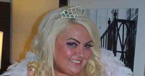 Barbie de 180 kg ganha bolada vivendo como boneca e tem fã ...
