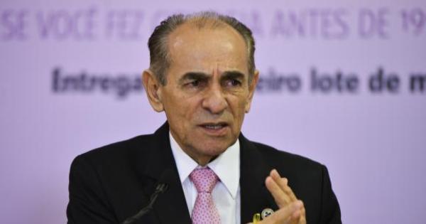 Ministro da Saúde vai pedir demissão - Notícias - R7 Brasil