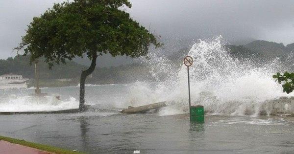 Canal do Porto Santos é reaberto após 30 horas de fechamento ...