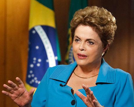 Dilma anuncia aumento do Bolsa Família e correção no Imposto de Renda