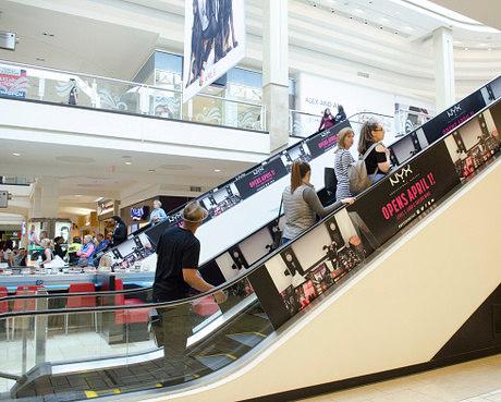 Shoppings lançam promoções para atrair consumidores