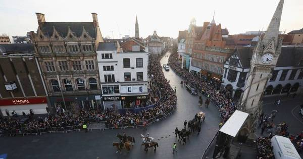 Funeral de rei marcou a arrancada do Leicester no Campeonato ...