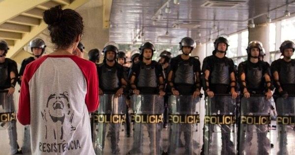 Polícia Militar se afasta do Centro Paula Souza em SP - Notícias ...