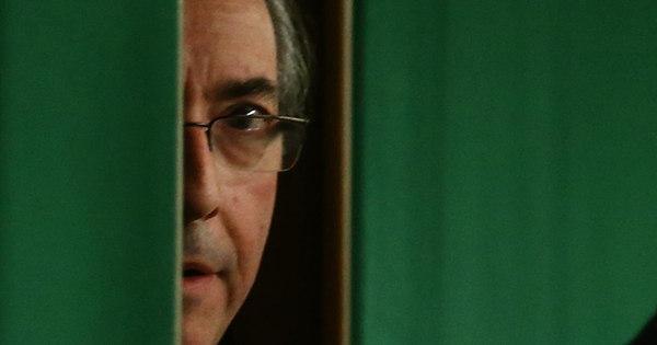 Mesmo afastado, Cunha continuará a receber salário de R$ 33,7 mil ...