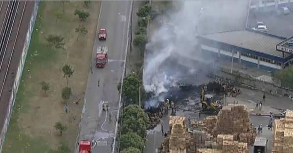 Incêndio atinge Ceasa na tarde desta quinta - Notícias - R7 Rio de ...