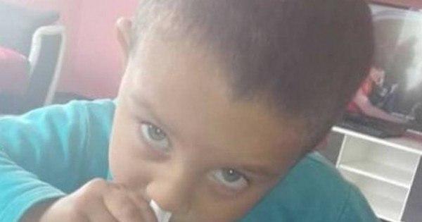 """Pais postam foto de filho de 3 anos """"cheirando cocaína"""" e causam ..."""
